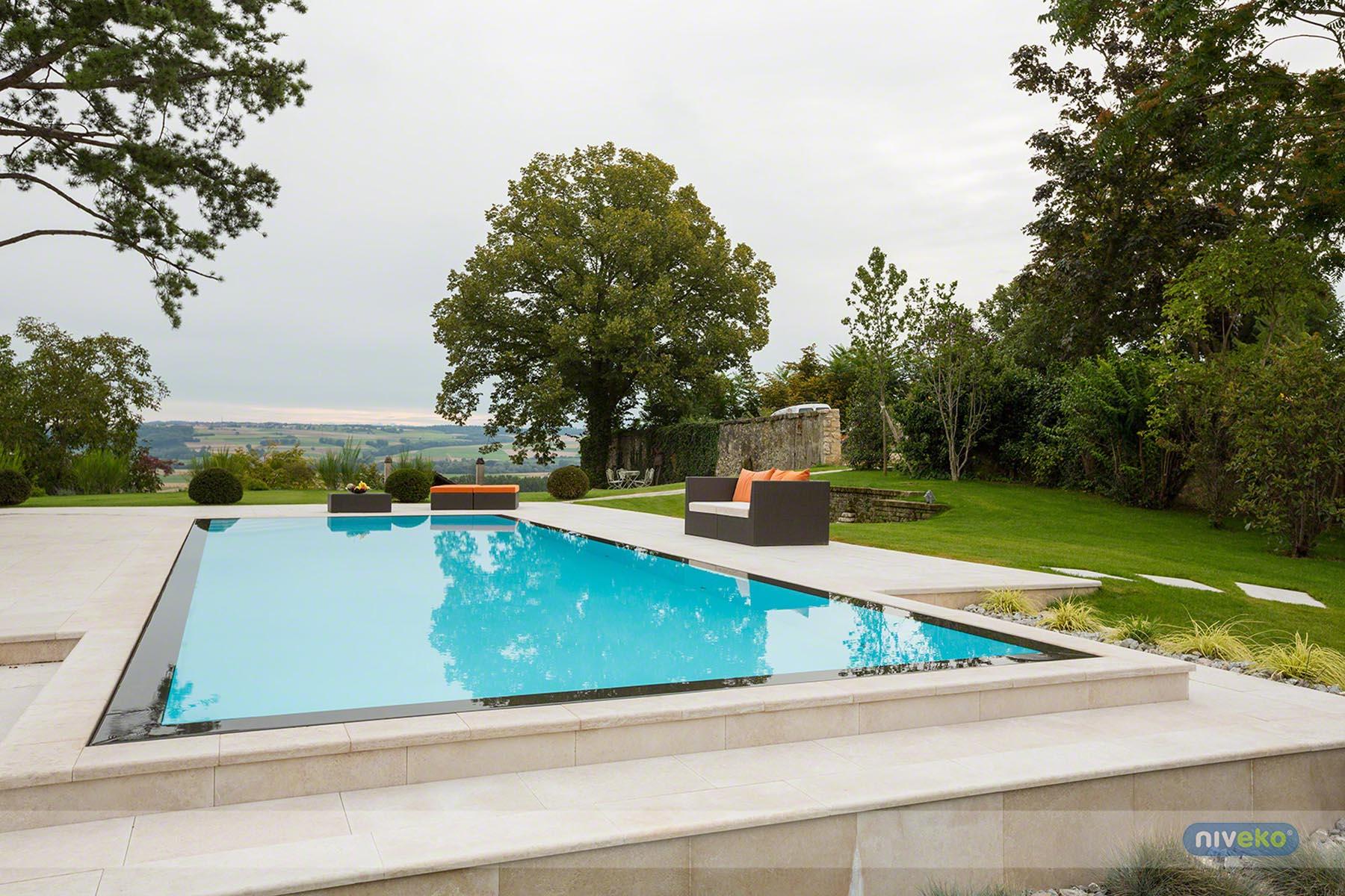 Schwimmbadbau Niveko - Saurwein Schwimmbad Technik SST Tirol