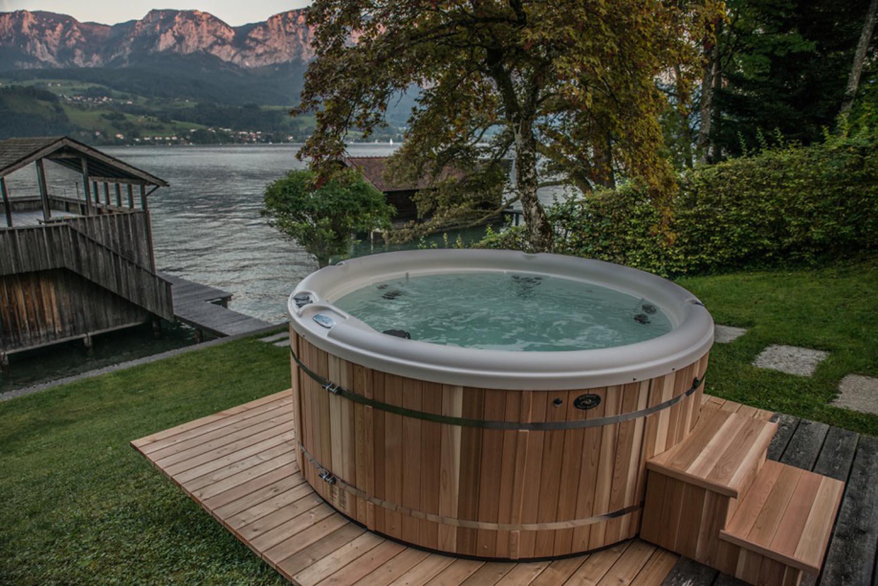 Whirlpool - SST Saurwein Schwimmbad Technik