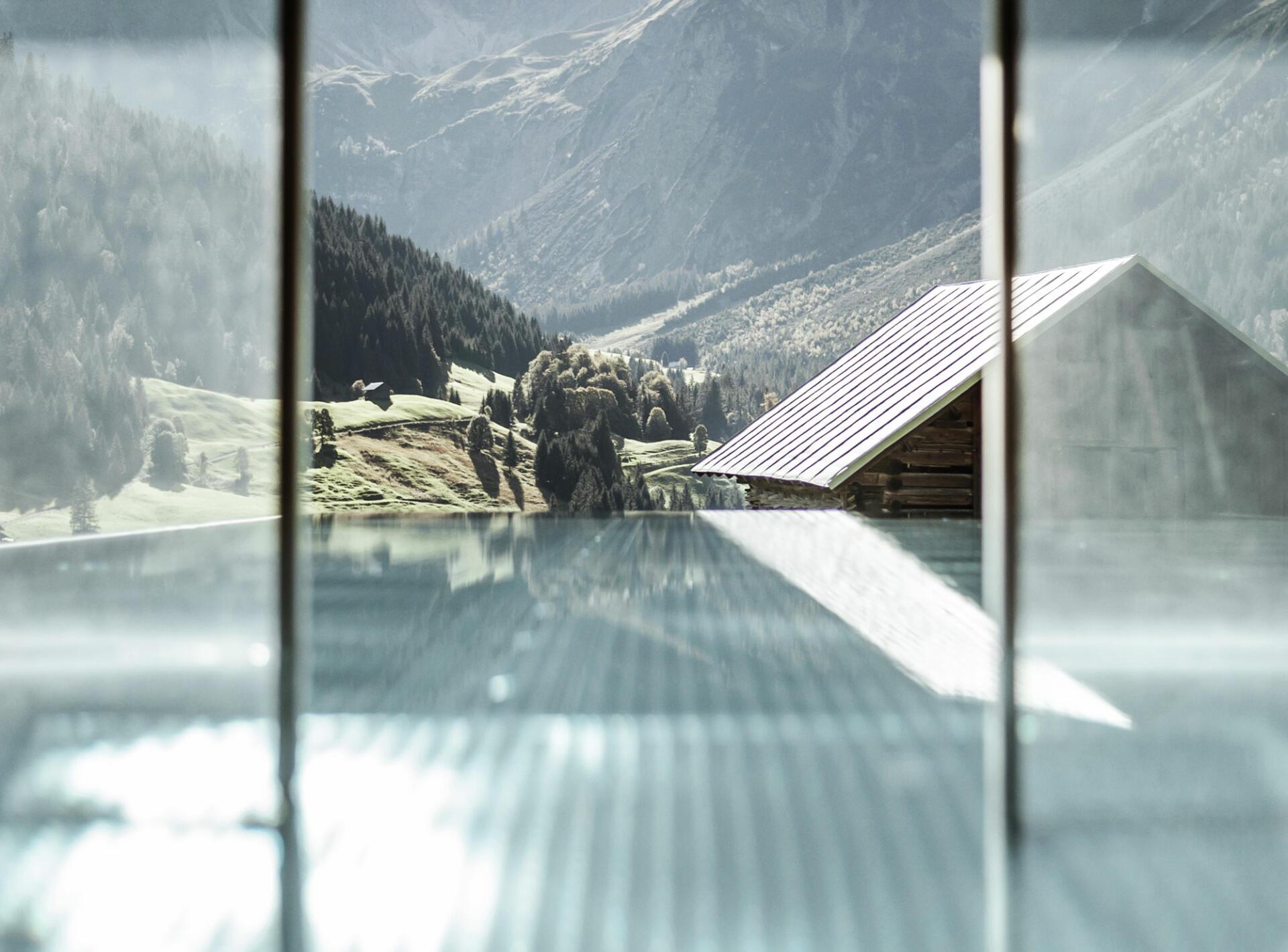 Abdeckungen - Schwimmbadbau Tirol - Saurwein Schwimmbad Technik