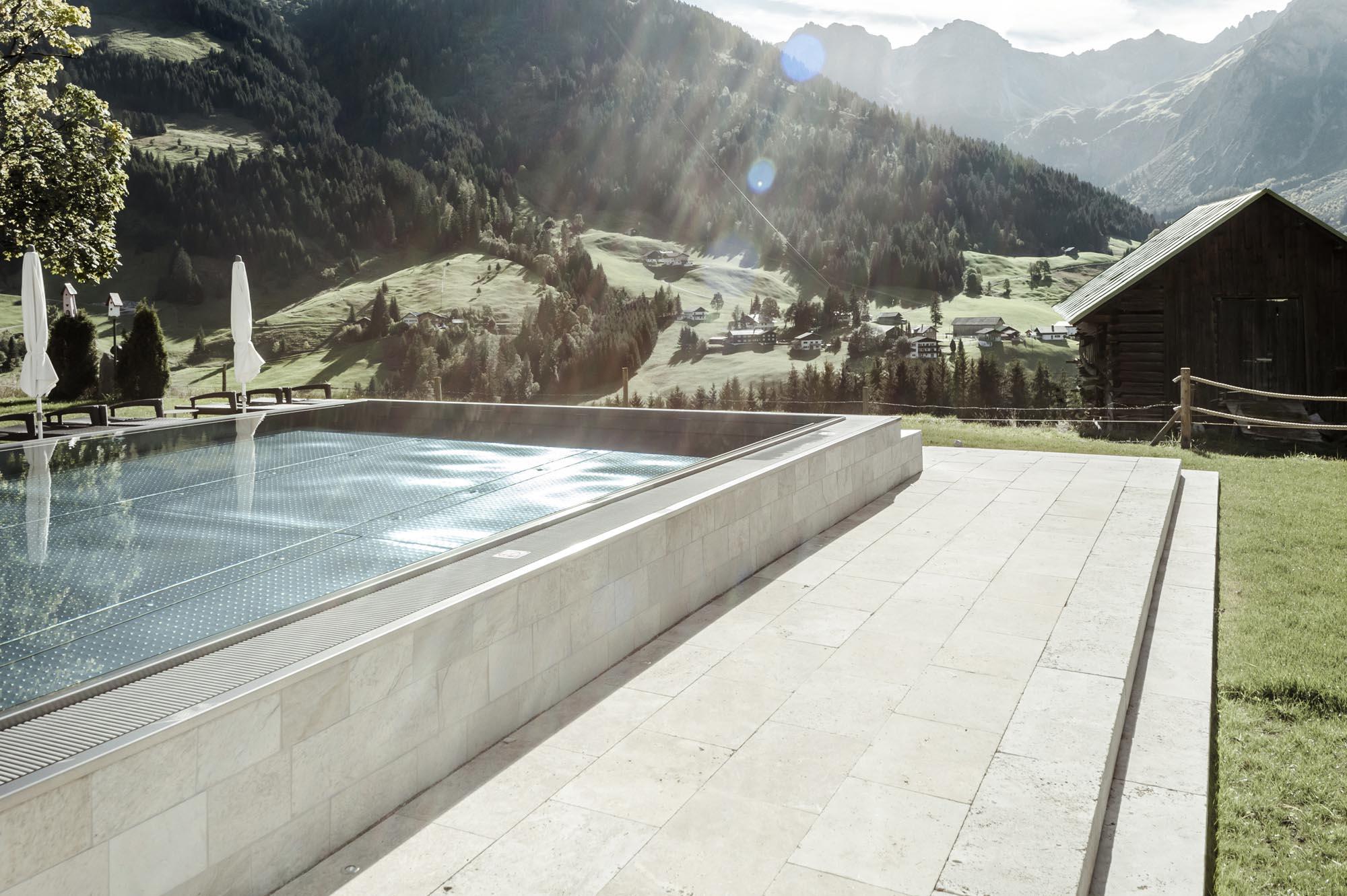 Edelstahlpool - Schwimmbadbau Tirol - SST
