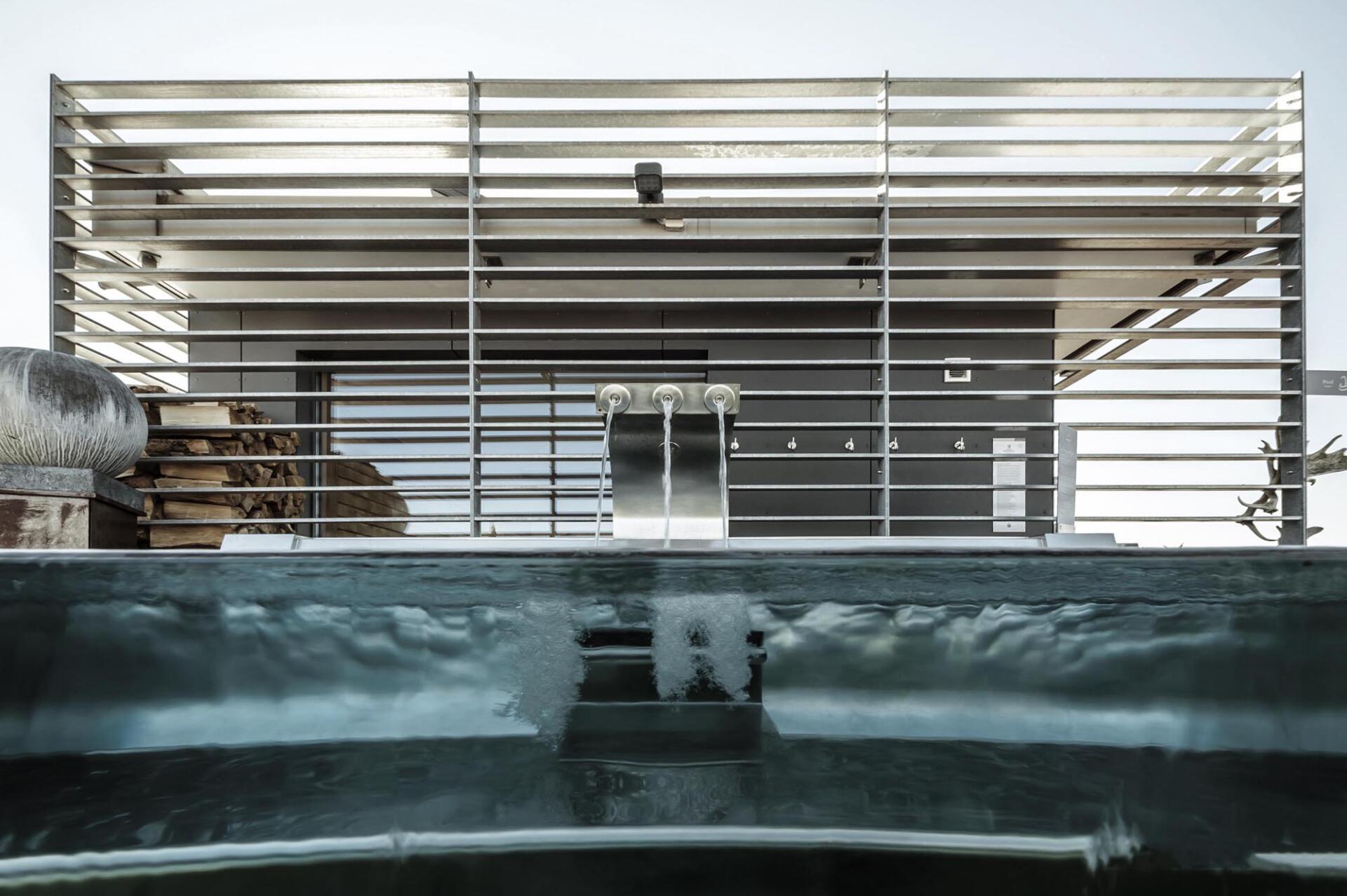 Wasserfälle - Schwimmbad Tirol - SST Saurwein Schwimmbad Technik