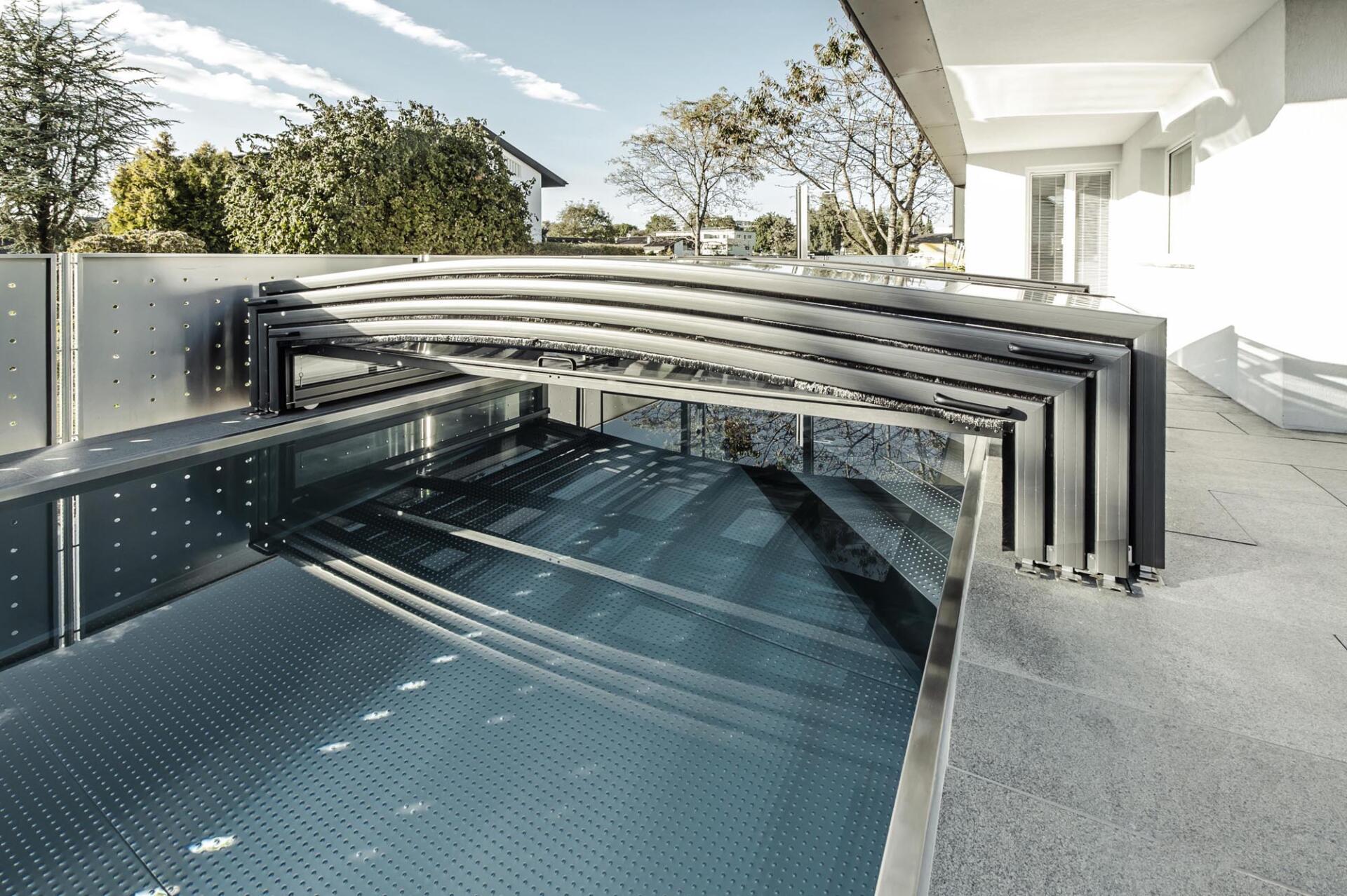 Abdeckung Pool - Schwimmbad Tirol