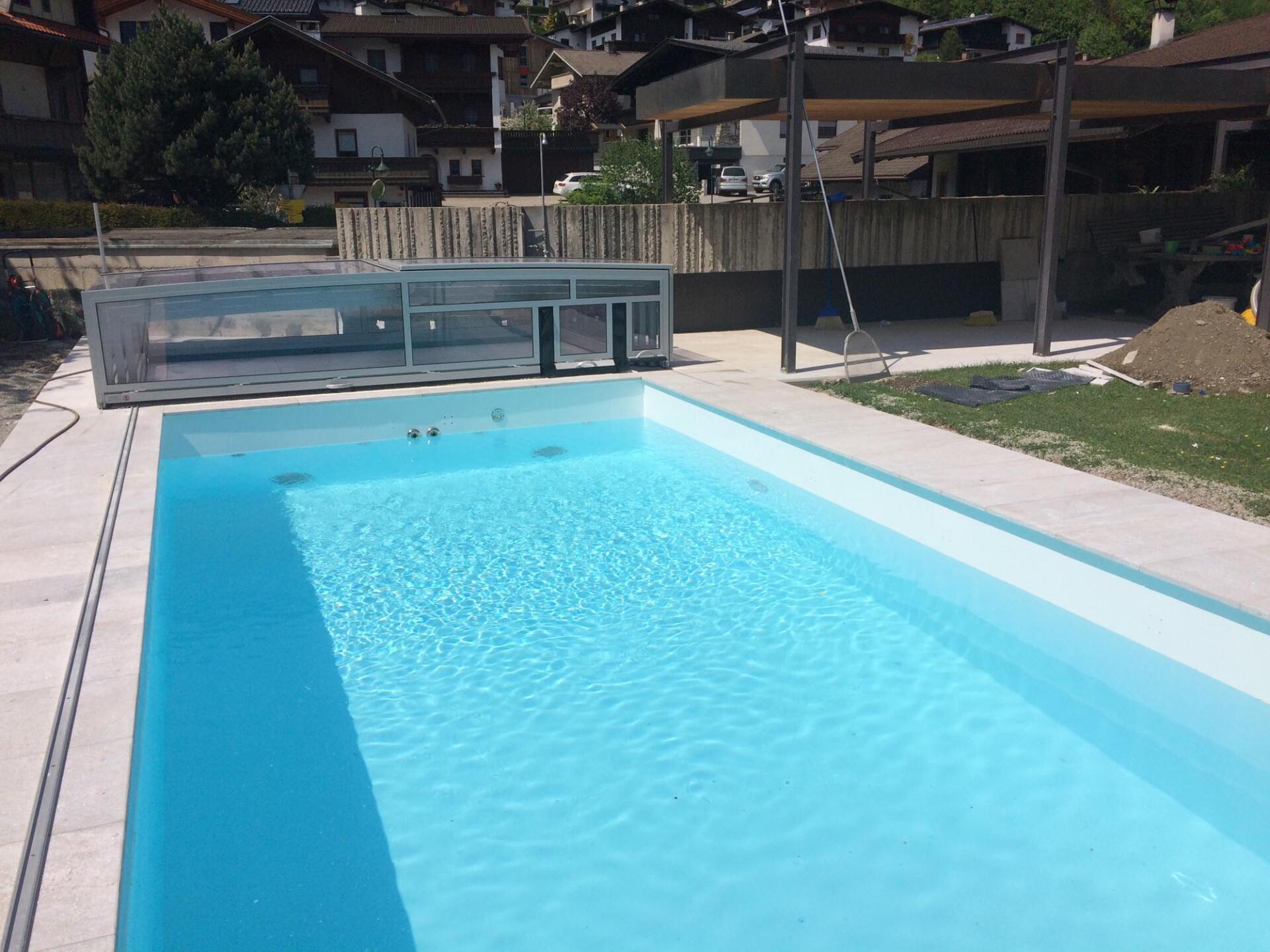 Schwimmbadbau in Tirol - SST Saurwein Schwimmbad Technik
