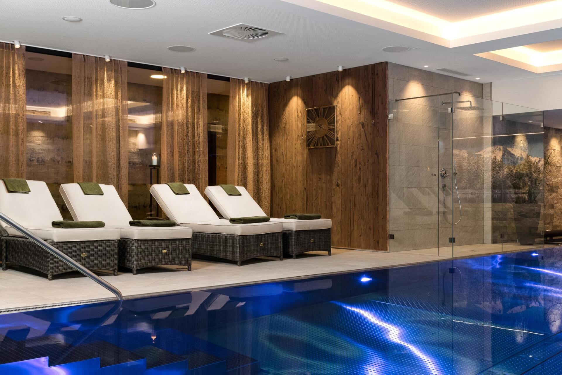 Hotel Rosengarten - Schwimmbadbau Tirol by SST