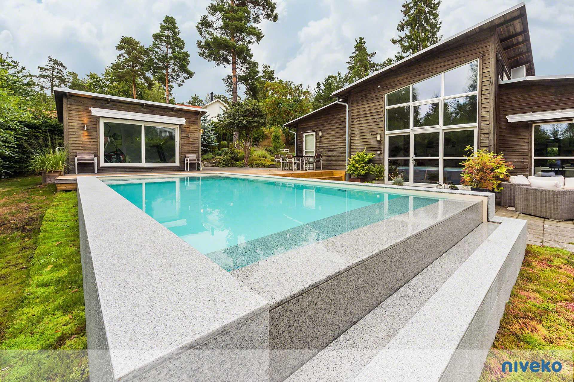 Niveko Inifinity Pool - Schwimmbadbau Tirol - SST